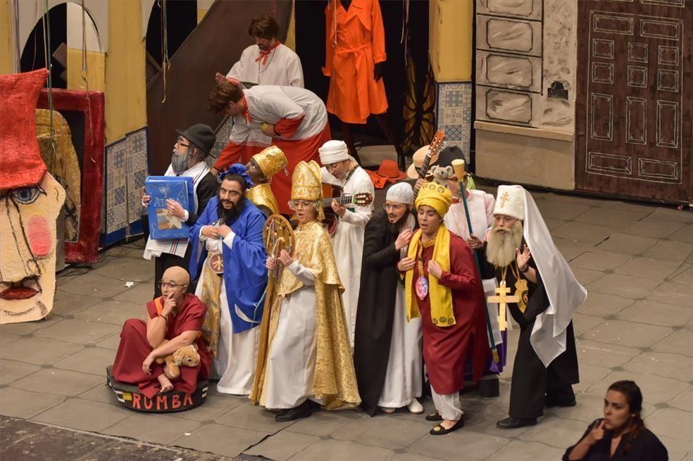 Segundo día del concurso de murgas del Carnaval de Badajoz