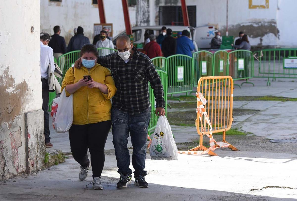 El comedor Trinitarios redobla el servicio por el efecto de la pandemia