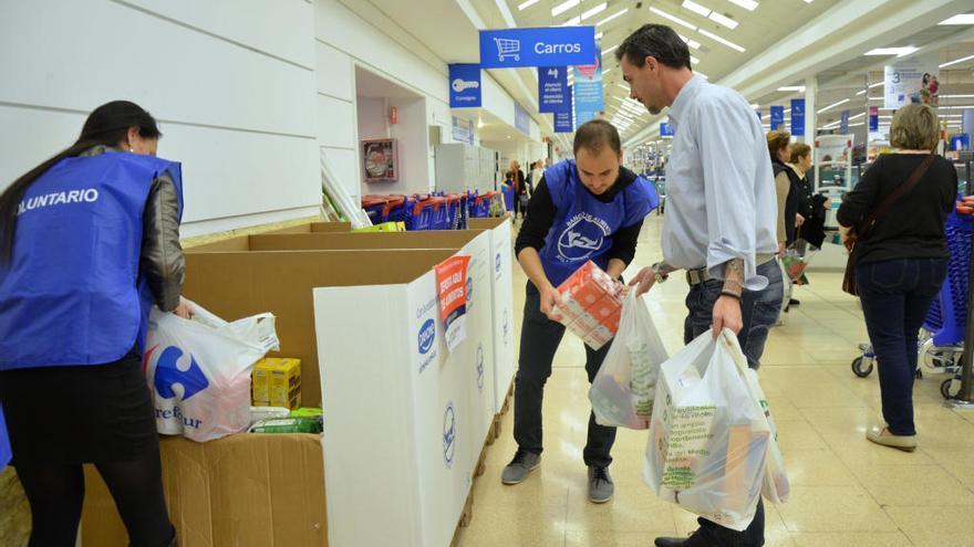 Banco de Alimentos en busca de voluntarios para la Operación Kilo en Carrefour