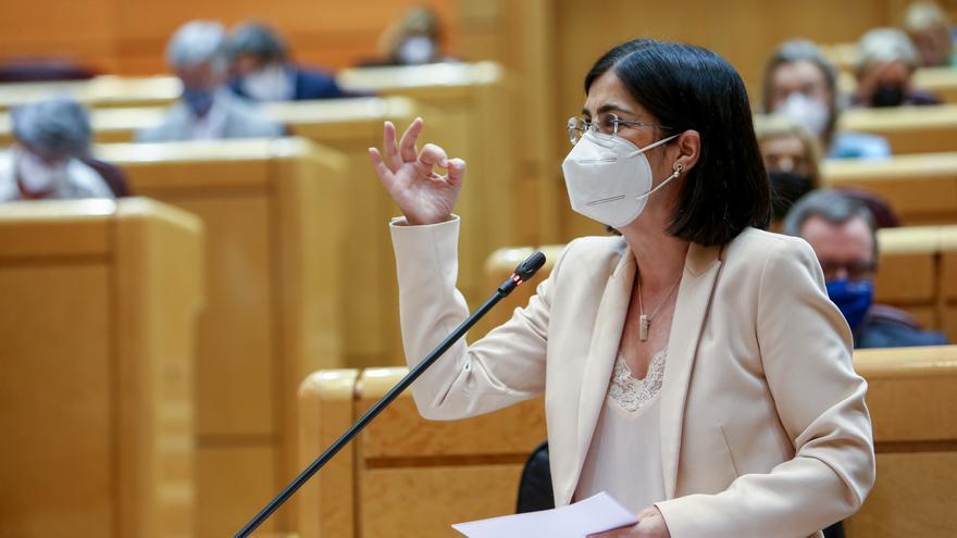 """Darias saca pecho: """"La vacunación va como un tiro"""""""