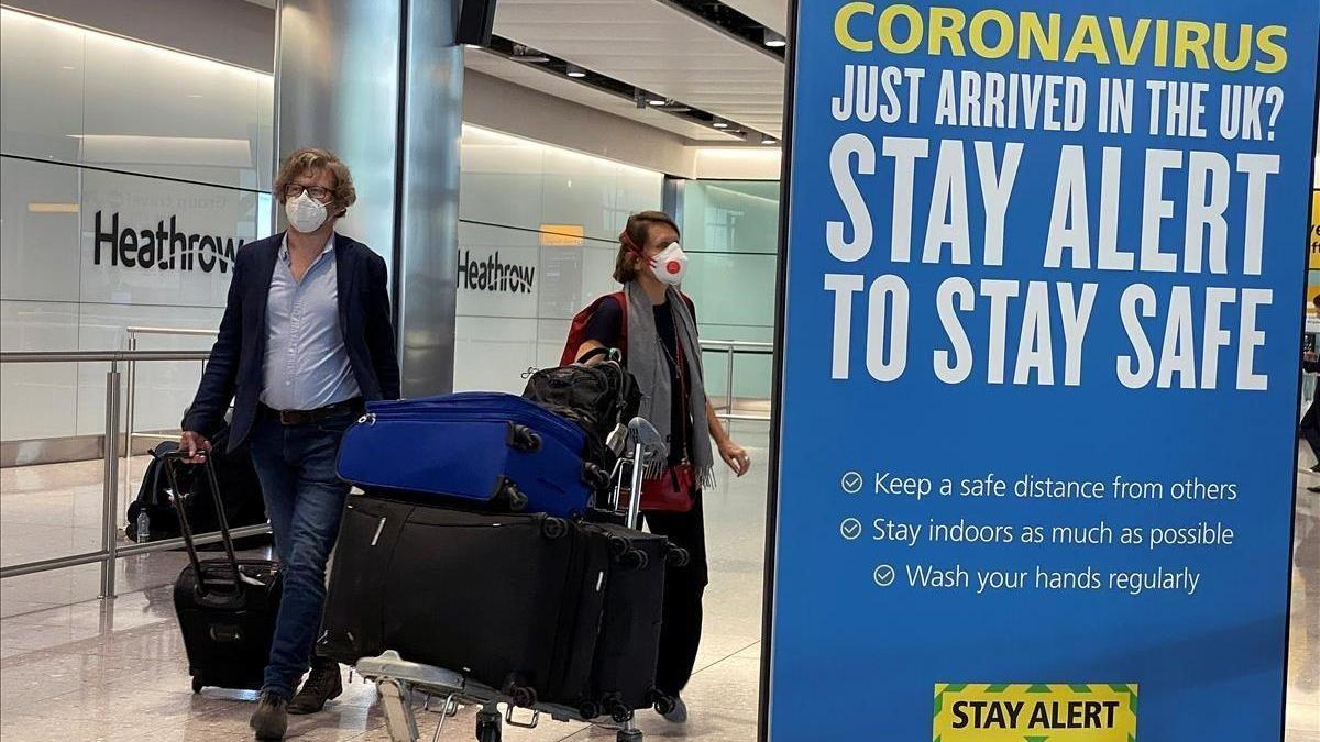 El Reino Unido impone 14 días de cuarentena a los viajeros llegados de España