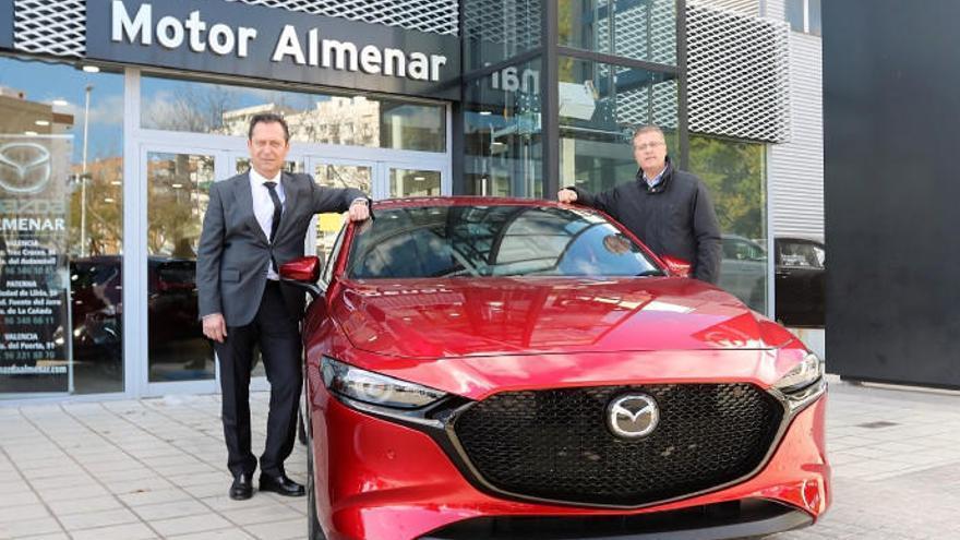 Almenar recibe al nuevo Mazda3 equipado con el sistema M Hybrid