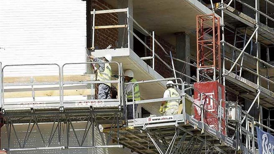 Jornada continua y distancia de dos metros en la construcción