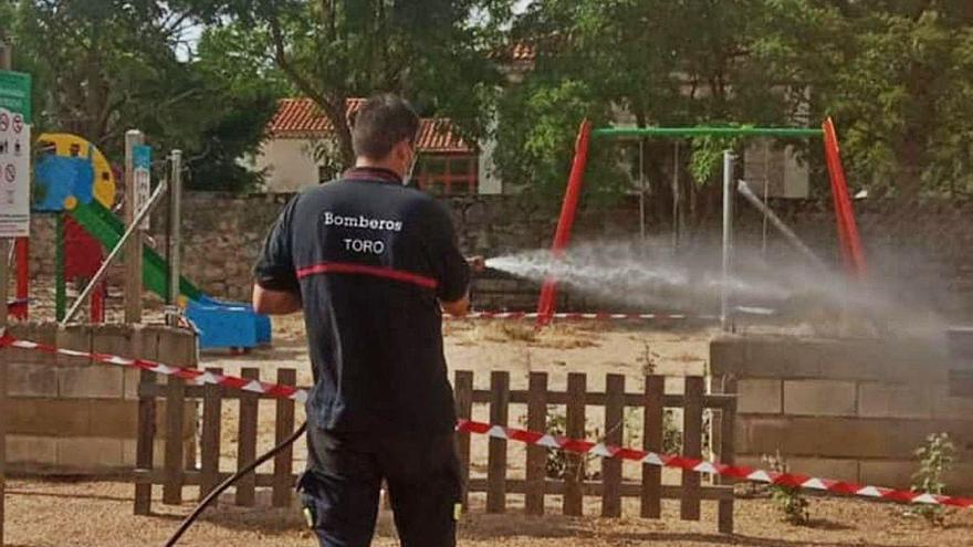 La Alcaldía de Toro garantiza la seguridad de los parques, que serán desinfectados a diario
