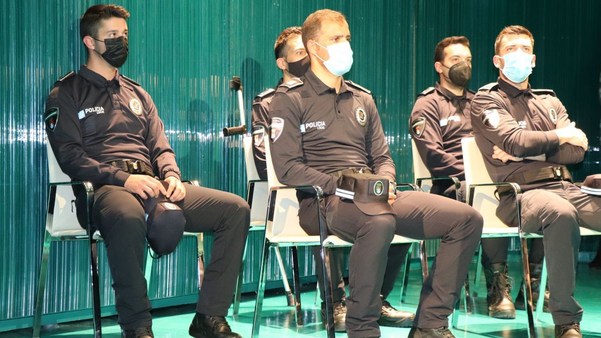 Varios agentes de la nueva promoción de la Policía Local de Villanueva.