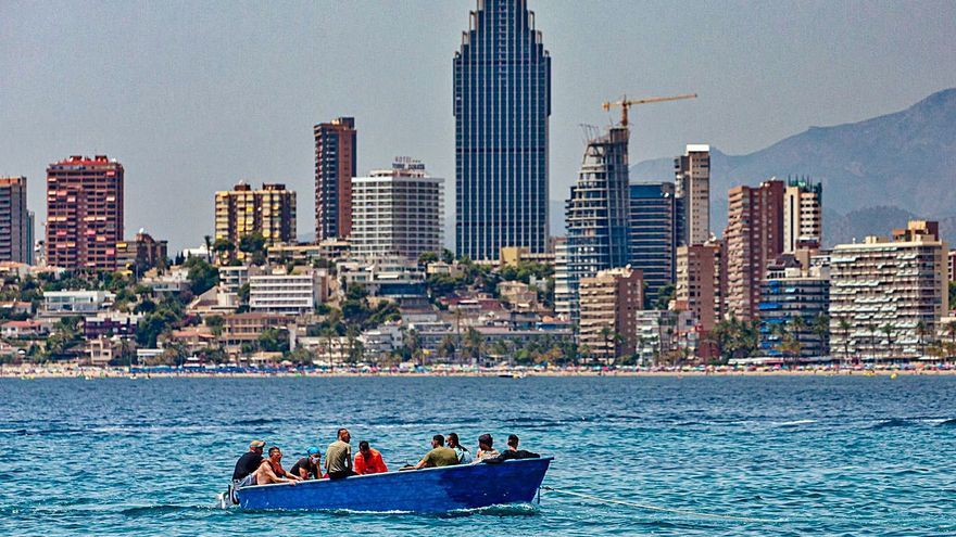 La llegada de pateras a la costa valenciana aumenta un 40 % con casi mil inmigrantes