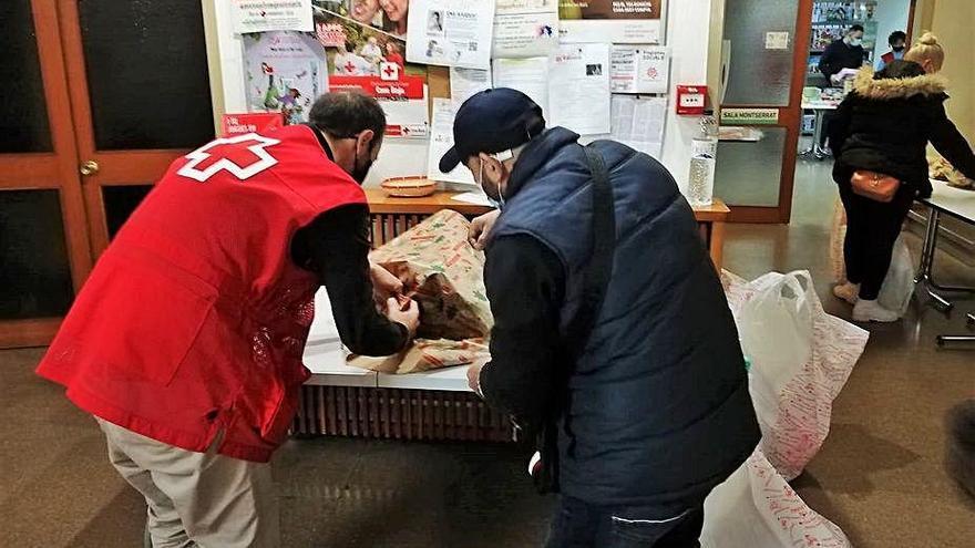 Creu Roja Manresa ha fet arribar joguines a 558 infants vulnerables