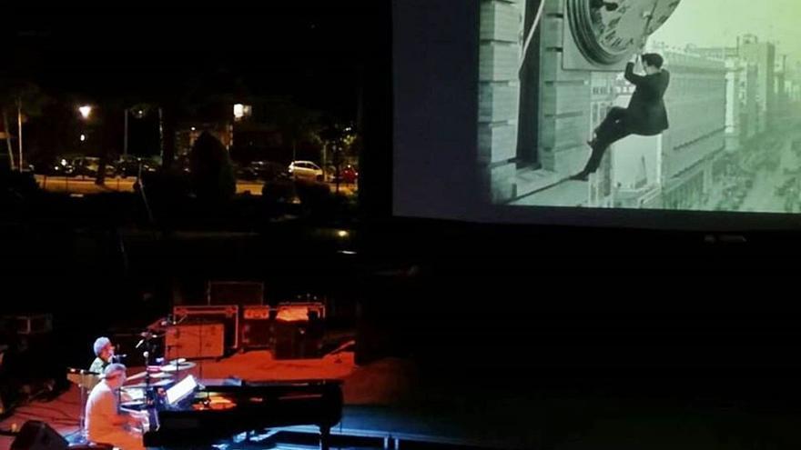 Rock, jazz y romanticismo animan varias joyas del cine este fin de semana en Oviedo