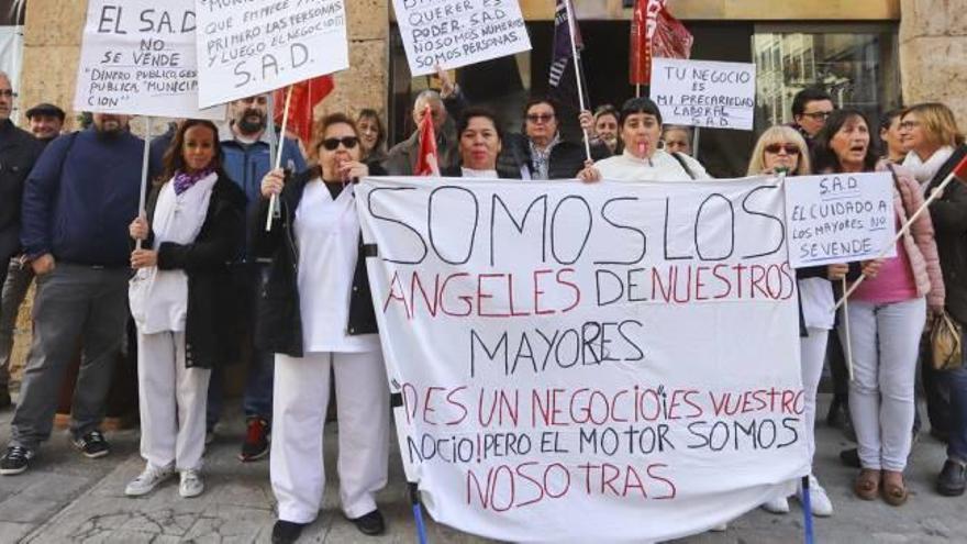 Más protestas por la ayuda a domicilio