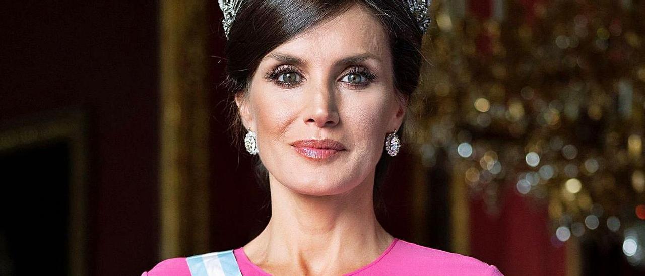 Letizia Ortiz  | Nacida el 15 de septiembre de 1972. Reina consorte desde 2014.