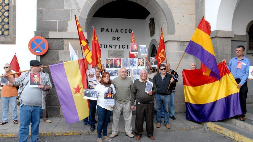 """Las familias de los fusilados de San Lorenzo piden """"hechos, no promesas"""" con la exhumación"""