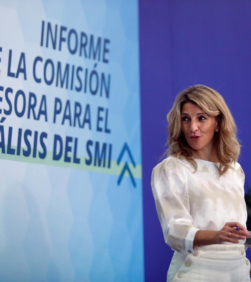 La comisión de expertos recomienda un salario mínimo de entre 1.011 y 1.049 euros euros en 2023