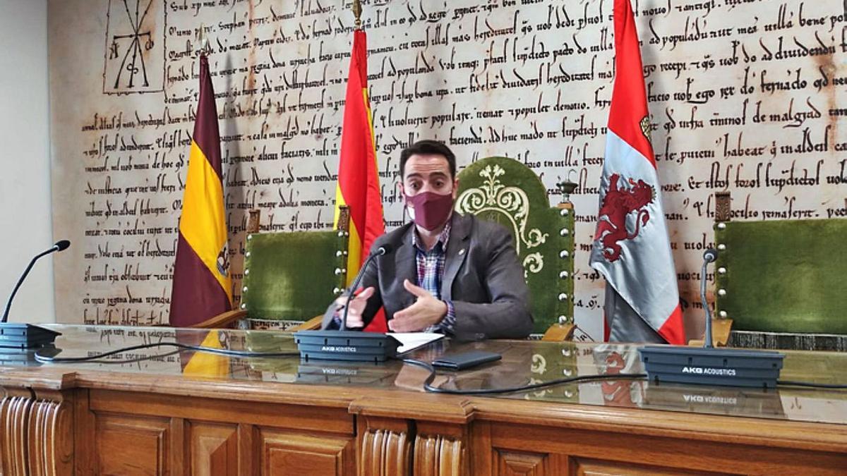 Luciano Huerga, durante la presentación de la liquidación del presupuesto. | E. P.