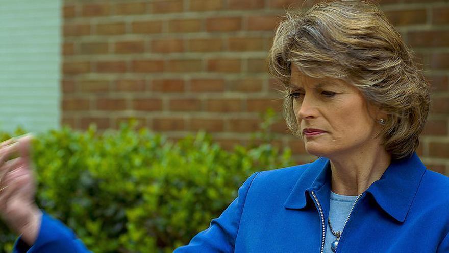 Lisa Murkowski, primera senadora republicana que pide a Trump que dimita