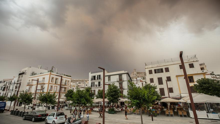 ¿Por qué está lloviendo tanto barro en Ibiza?
