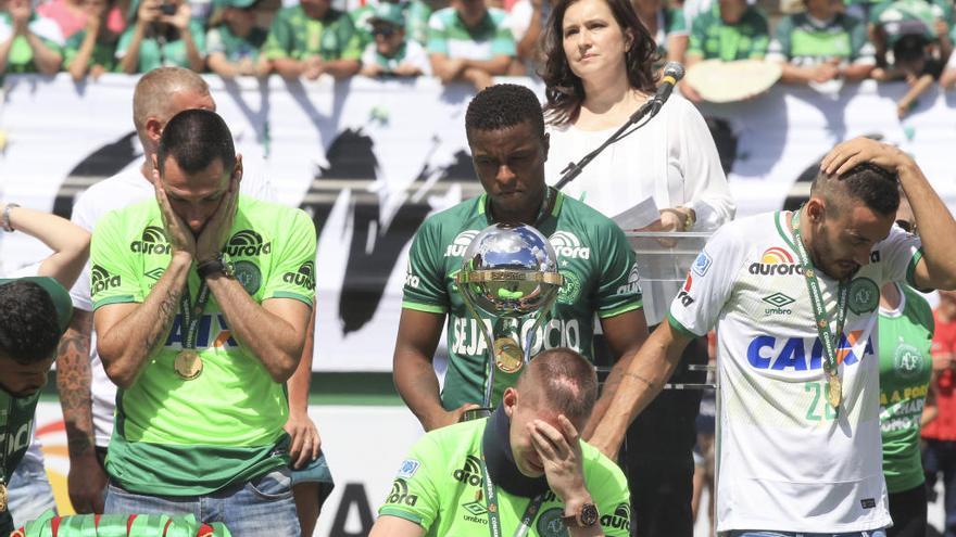 Emotivo reencuentro del Chapecoense con el fútbol