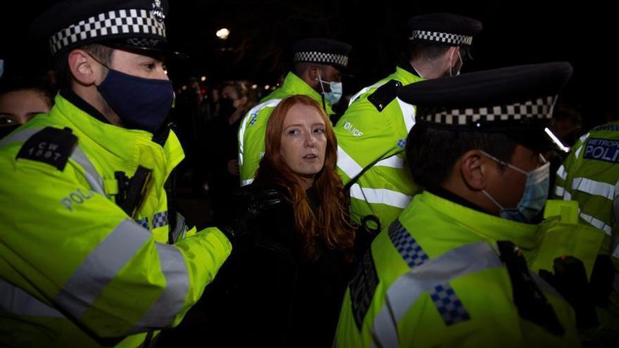 Disturbios en Londres durante la vigilia por una mujer asesinada
