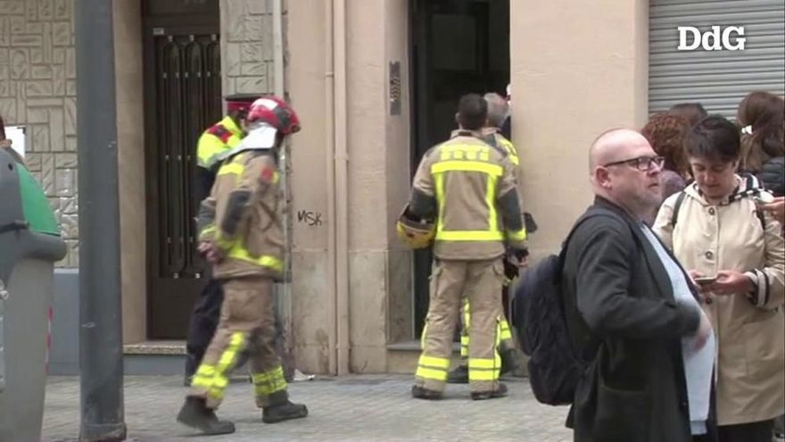 Moren una dona, un nen de tres anys i un nadó de mesos en un incendi a l'Hospitalet