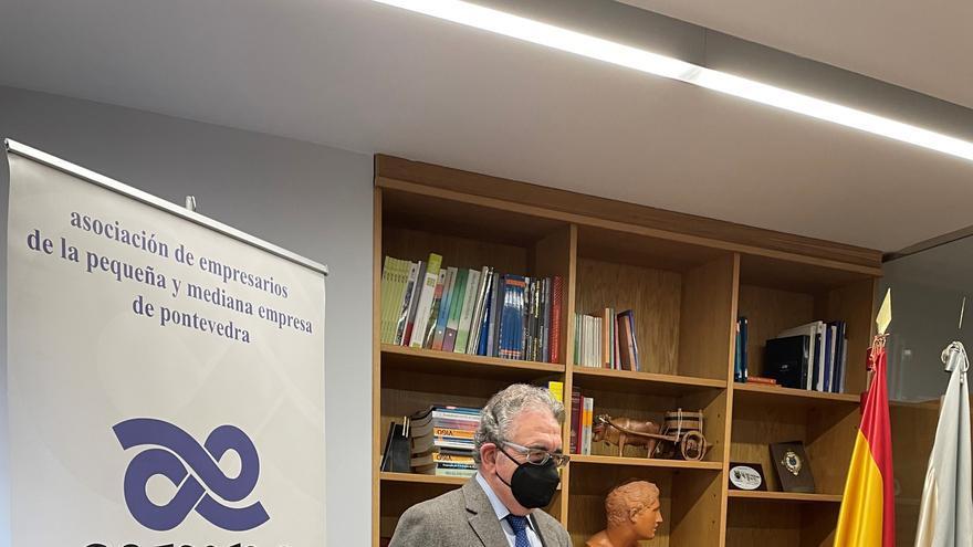 El subdelegado de Defensa en Pontevedra visita Aempe