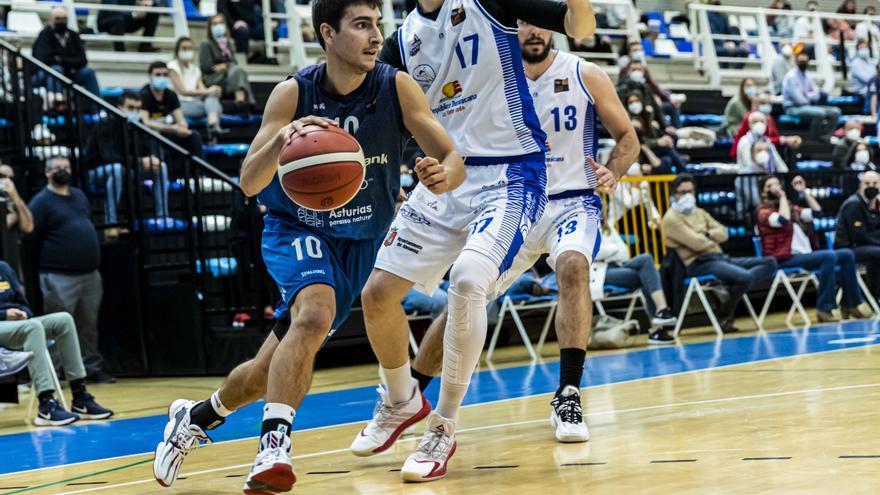 El base asturiano Alonso Meana renueva con el Liberbank Oviedo Baloncesto