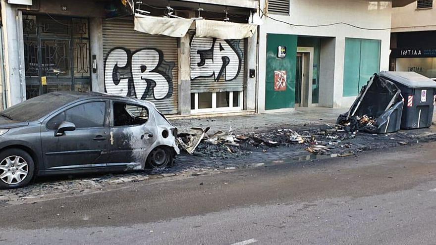 Piden 6,5 años de cárcel por un incendio de contenedores en Palma