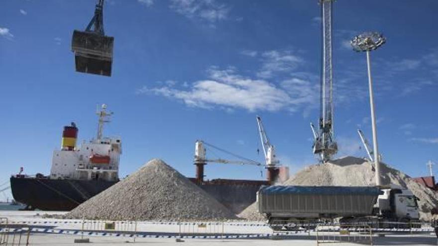 Tres empresas  invierten 52 millones en Port Castelló