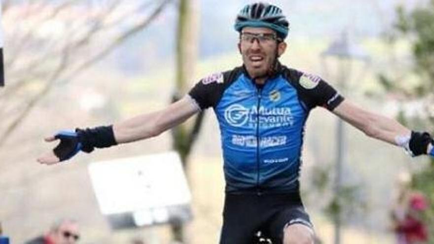 Eusebio Pascual da el salto al profesionalismo con el Bahrain Cycling Academy