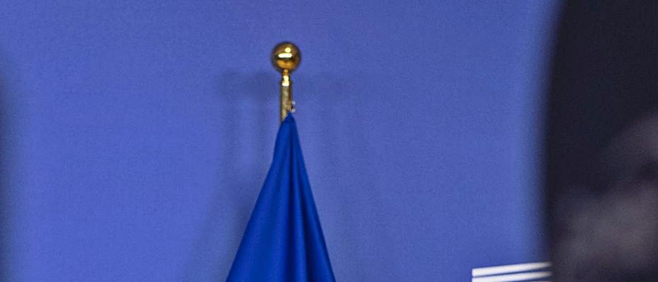 Úrsula von der Leyen, presidenta de la CE, en una rueda de prensa.     EUROPA PRESS
