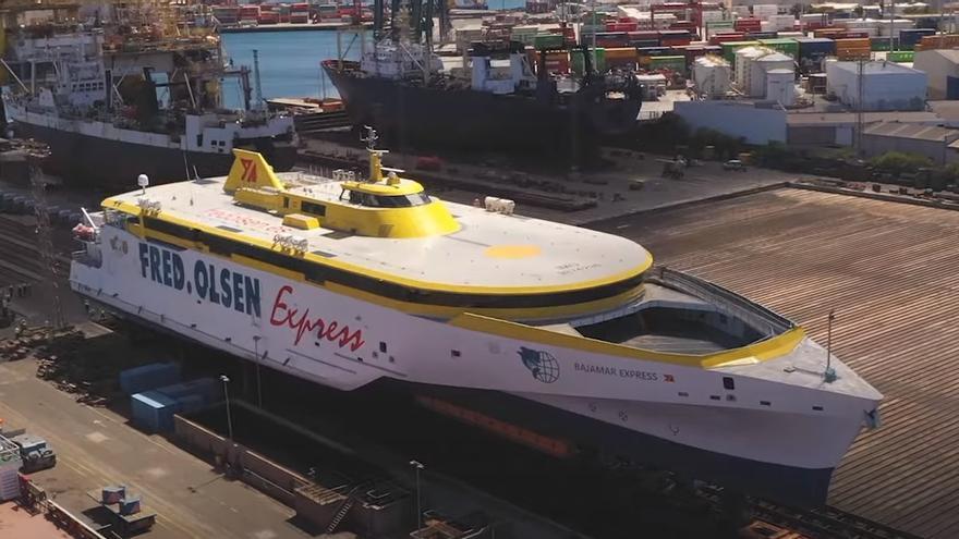 Así fue la espectacular varada del 'Bajamar Express' en el Puerto de Las Palmas
