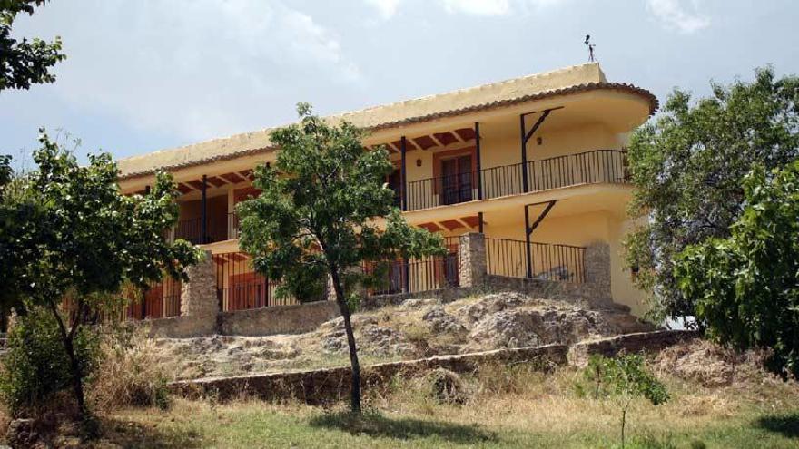 Buscan una empresa que reabra el albergue de Las Fuentes del Marqués