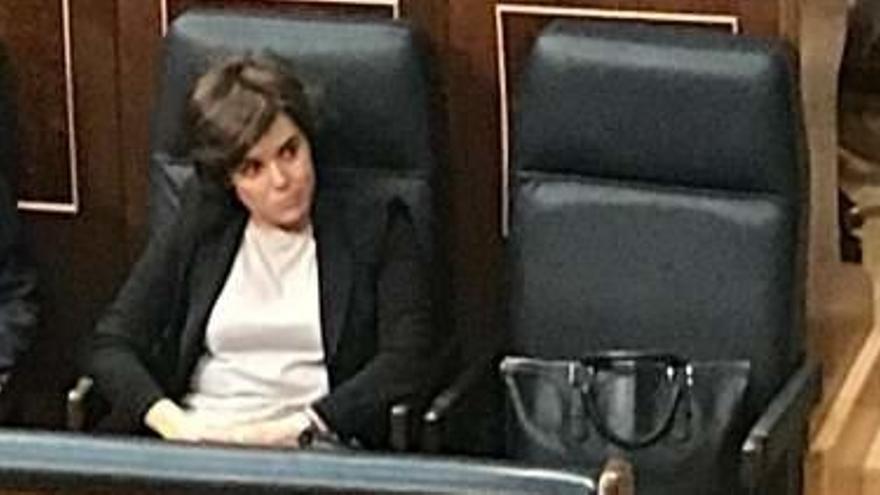 Sáenz de Santamaría metió micrófonos en el Congreso