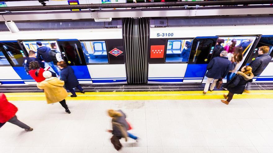 Brutal agressió al metro de Madrid a un infermer que va demanar a un jove posar-se la mascareta