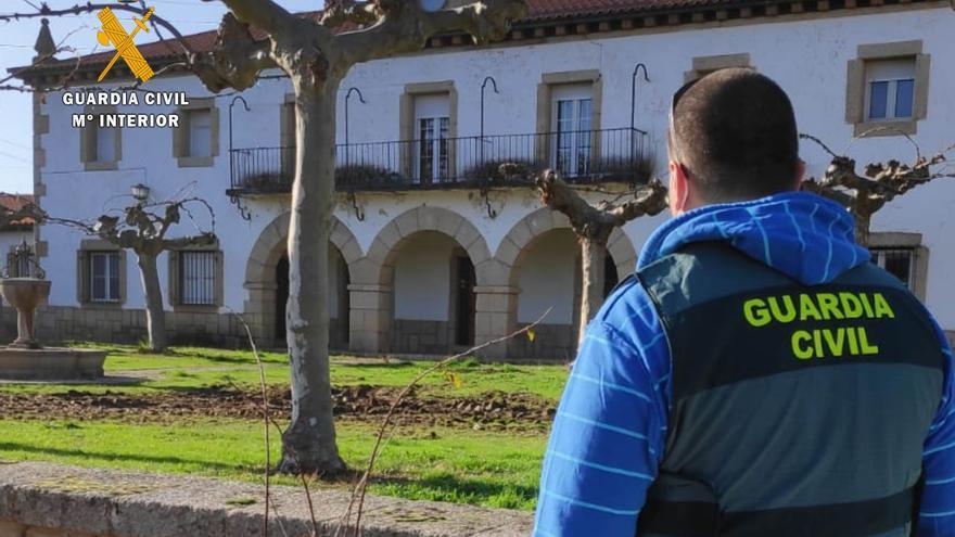 Tres jóvenes de Moraleja del Vino, investigados por daños en el Poblado de Villalcampo