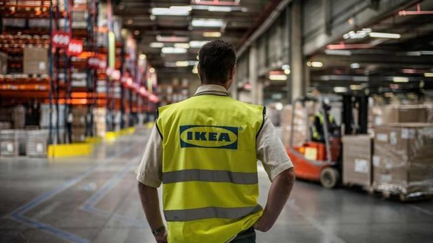 La  rebajada lámpara de trabajo de Ikea que triunfa por su estética y precio