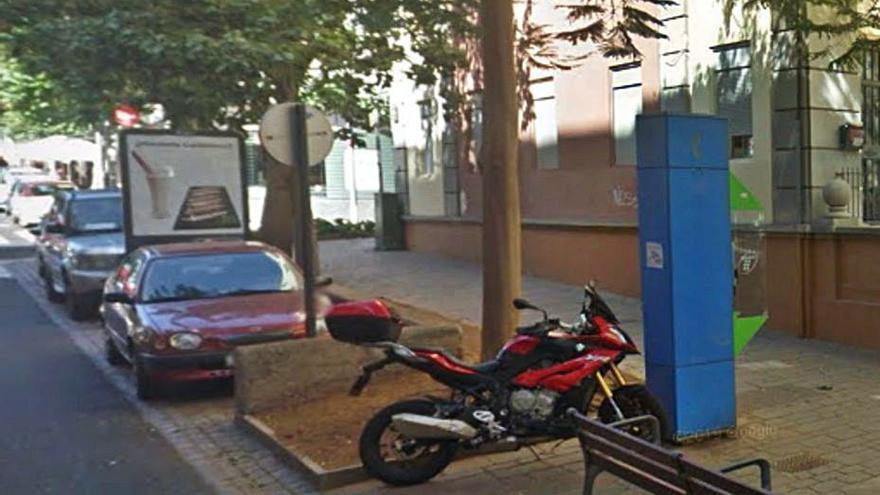 Santa Cruz de Tenerife se queda sin cabinas telefónicas tras retirar las 62 que seguían en las calles