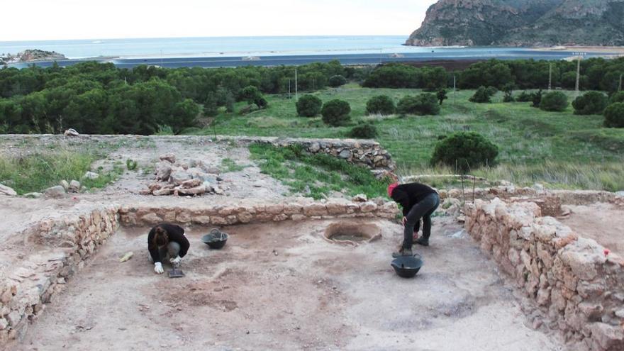 «Pocas villas conservan tantos restos y dos metros de muro»