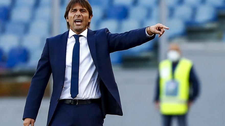 Conte rescinde su contrato con el Inter de Milán