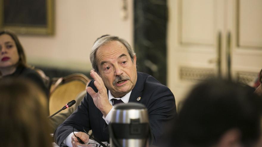 """Wenceslao López (PSOE) acusa a Canteli y a Mallada de """"erigirse en expertos de la pandemia sin tener rigor"""""""