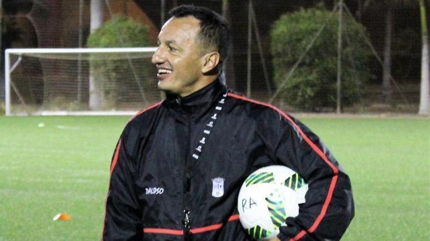 Ángel Luis Camacho renueva una temporada más con el Unión Viera