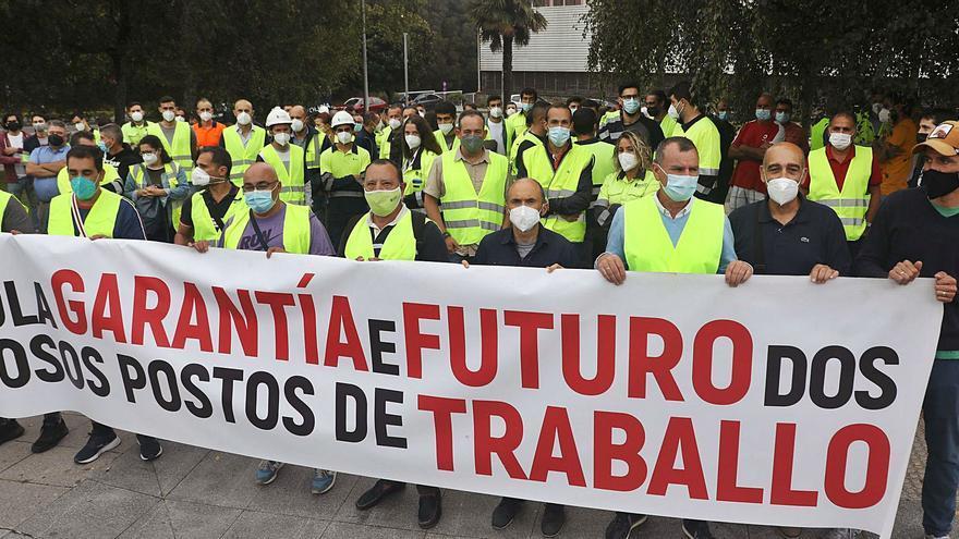 """La Xunta colaborará en buscar una """"solución jurídica"""" para que Ence continúe en Lourizán"""