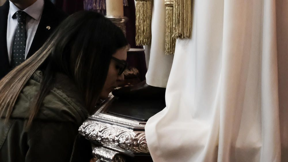 El Cautivo celebra su tradicional besapié pese al temor al coronavirus