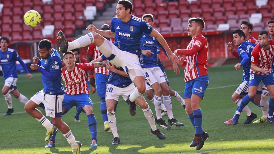 Sporting y Oviedo confían en acabar la temporada con público en sus estadios