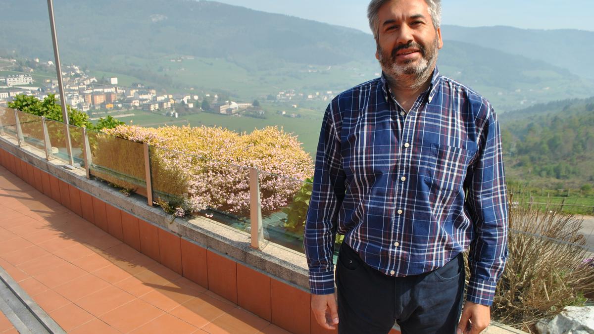 Alfonso Polvorinos Ovejero en una visita a Boal.