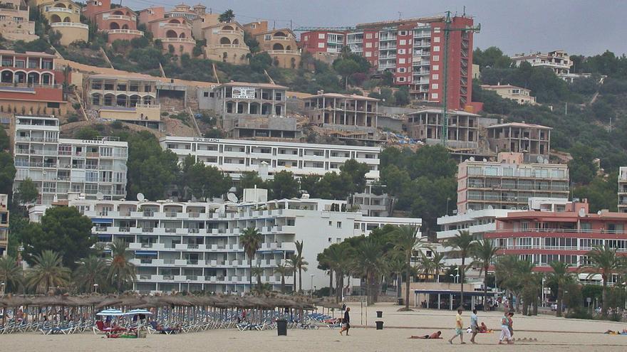 Medio Ambiente vuelve a instar al Consell a prohibir más alquiler turístico en las zonas saturadas