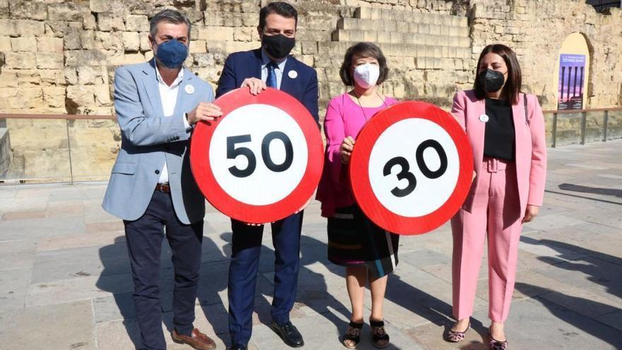 Córdoba ajusta la velocidad de un centenar de calles a la limitación de velocidad de 30 kilómetros por hora