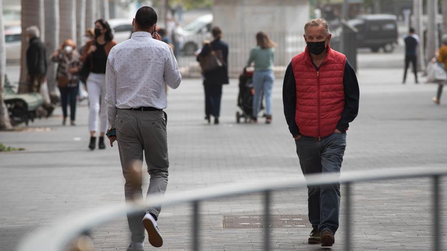 Canarias baja de 5.000 casos activos después de casi tres meses
