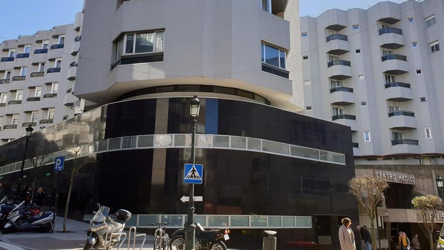 Un nuevo brote de Covid-19 en Vigo obliga a cerrar una clase de Enfermería
