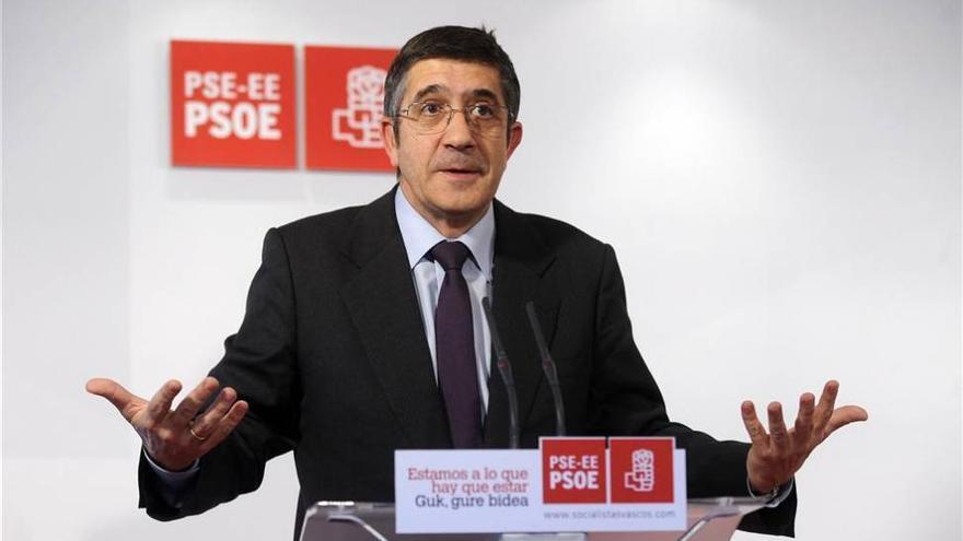 Sectores del PSOE intentan frenar la entrega total a Díaz