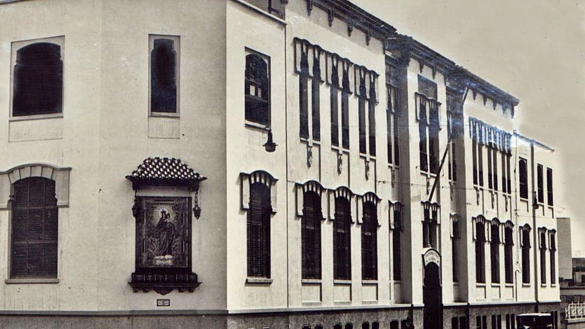 Edificio del Asilo Victoria en 1955.