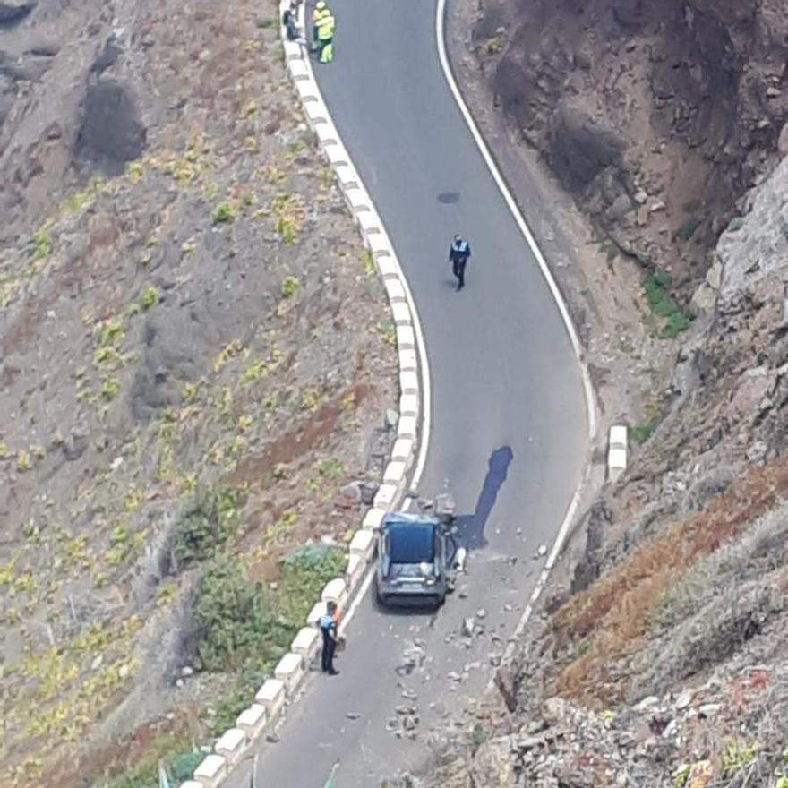 Dos personas heridas tras el desprendimiento de rocas en Almáciga
